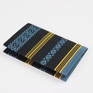 宮嶋美紀の博多織の生地で作られた名刺入れです。博多献上柄のデザインです。