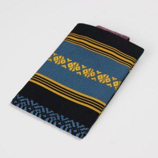 宮嶋美紀の博多織の生地で作られた、カード、定期券などのパスケースです。博多献上柄のデザインです。
